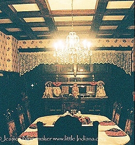 Nappanee, Indiana: The Victorian Guest House Dining Room
