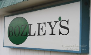 Roselawn, Indiana: Bozely's Family Dining and Spirits