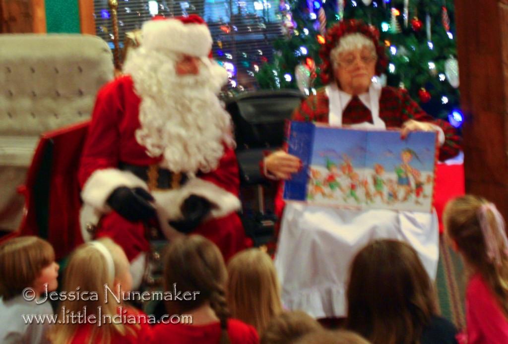 Story Time With Santa At Santa S Lodge In Santa Claus