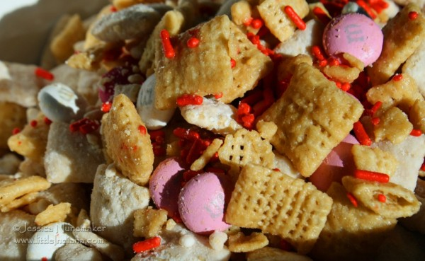 Valentine's Day Chex Mix of Love 1/2 Serving