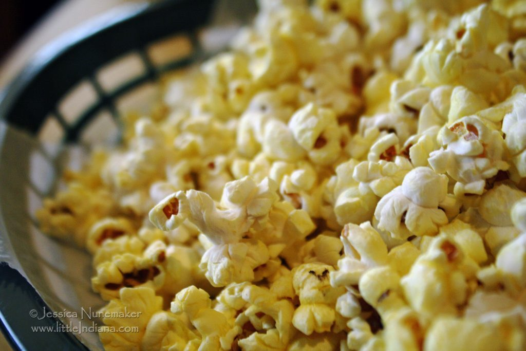 Sandy Pines Sports Grill: DeMotte, Indiana Popcorn
