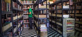 Used Book Exchange: Monticello, Indiana -- Hubs Browses the Shelves