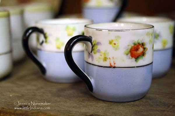 Katie' s Antiques in Chesterton, Indiana Teacups