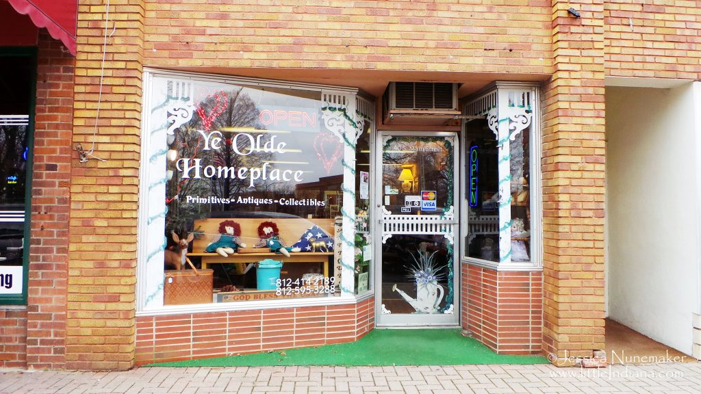 Ye Olde Homeplace Antiques: Scottsburg, Indiana