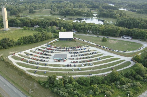 Valparaiso, Indiana's 49'er Drive-In Theater