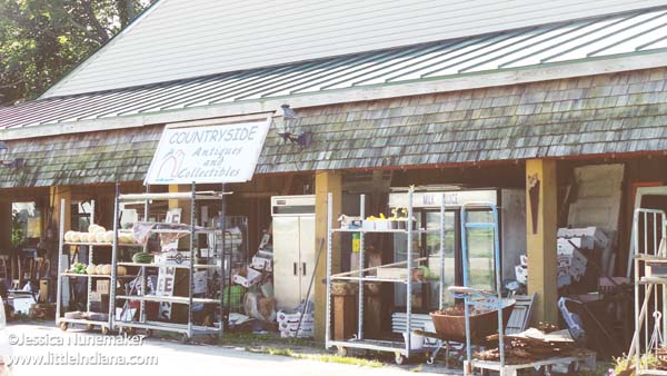 Countryside Antiques and Collectibles in Winchester, Indiana