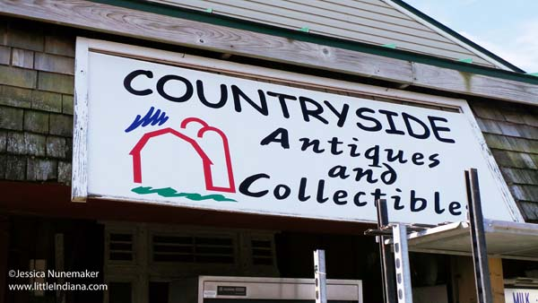 Countryside Antiques and Collectibles in Winchester, Indiana Exterior Sign