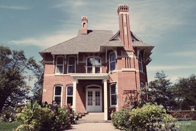 Brown Mansion in Chesterton, Indiana