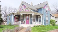 Bluebird House Bed and Breakfast in North Liberty, Indiana