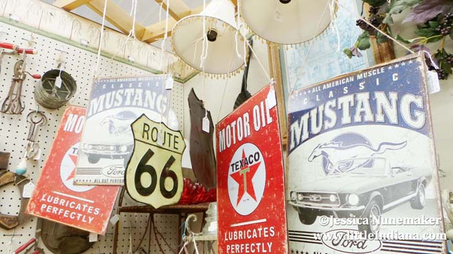 Greene's Exit 215 Antique Mall in Rensselaer Indiana Tin Signs